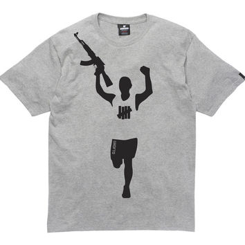 UNDEFEATED VICTORY GUN TEE | Undefeated