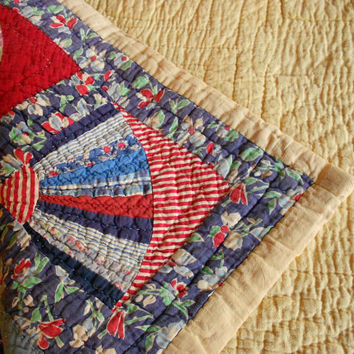 Vintage Quilt Antique Hand Quilted by TheRetroStudio on Etsy