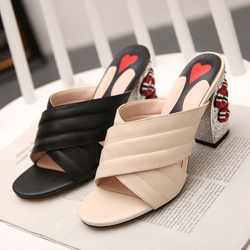 2017 New fashion sexy metal Romanesque Mules luxury designer High heel heart shoes Sandals slipper slides girl lady gg slingback
