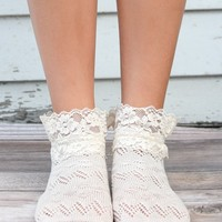 Ivory Lace Ankle Socks