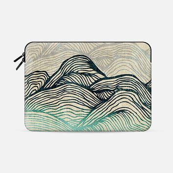 """Crash Into Me Macbook Pro 15"""" sleeve by Rose 