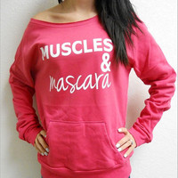 """MUSCLES & mascara"" Sweatshirt"
