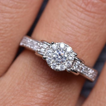 0.25 Carats Sterling Silver Solitaire Cubic Zirconia Bridal Engagement Wedding Cluster Ring (1/4 CT)