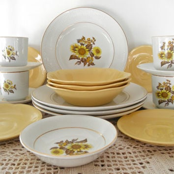 Vintage Yellow Johnson Brothers 20 Piece Made in England Goldend & Shop Johnson Brothers Made In England on Wanelo