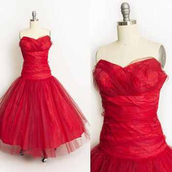 Vintage 1950s Dress - Red Tulle Chiffon Strapless Full Skirt Party Prom Dress 50s - Small S