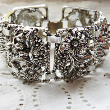 Chunky Sarah Coventry Bracelet Silver Tone Floral Design