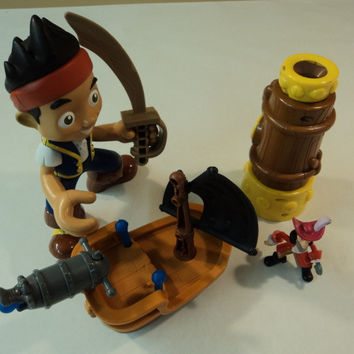Mattel Disney Hooks Battle Boat Spyglass Set of 3 Jake and The Neverland Pirates -- Used