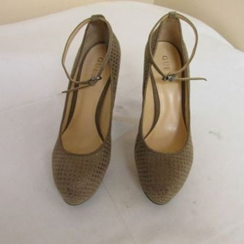 Guess Prestyna 2 Taupe Suede Studded Platform Pumps Women's  8.5 M