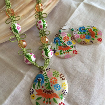 Mother of pearl hand made shell set necklace earrings spring summercolors set hand made original design excellent Mother's Day birthday gift