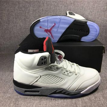 2017 Retro 5 White Cement Basketball Shoes For Men High Quality Retro V 5s Athletic Outdoor Trainer Sports Sneakers Boots With Box