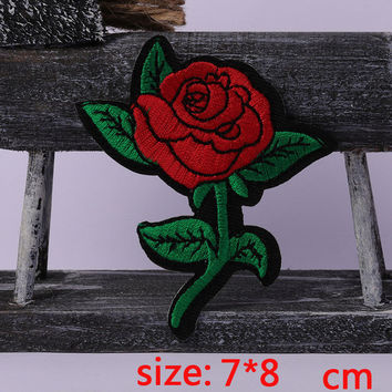 2016year New arrival 1PC beautiful Rose Iron On Embroidered Patch For Cloth Cartoon Badge Garment Appliques DIY Accessory