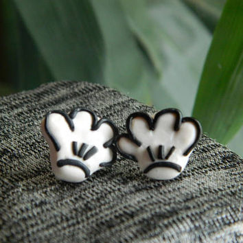 Mickey Mouse Gloves, Disney earrings, Disney jewelry, earrings, Mickey mouse, Disney Honeymoon, Disney Gift, Disney Vacation, Disney