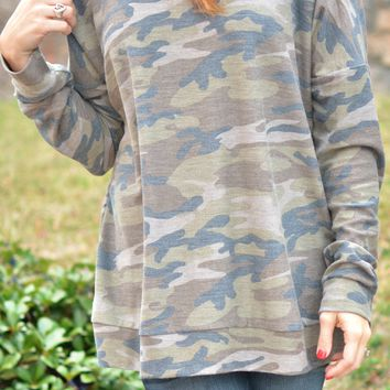 Casual Chic Top - Camo