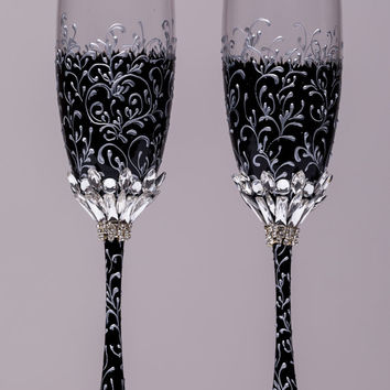 Wedding silver glasses Champagne flutes black and Silver wedding toasting glasses silver Flutes Silver wedding toasting flutes Set of 2