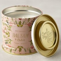 Illume Snowflora Soy Candle