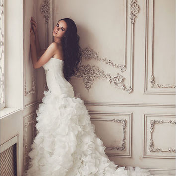 Luxury sweetheart crystal sash with hand pleat off the shoulder long white wedding dresses mondest organize flowers bridal gowns