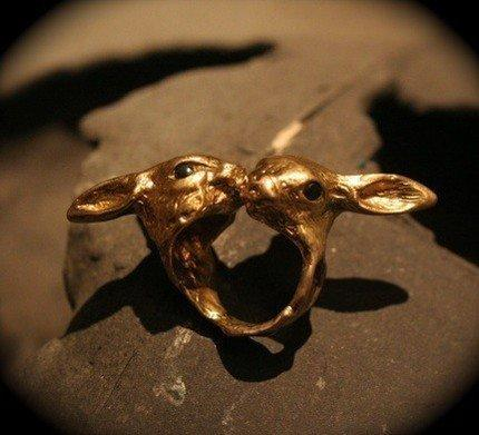 Bunny Love ring with onyx eyes by Rabid Fox by Fleathers on Etsy