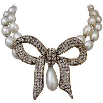 1970s Chanel Faux Pearls Necklace with Crystals Bow