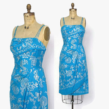 Vintage 50s Alfred SHAHEEN HAWAIIAN DRESS / 1950s Metallic Shelf Bust Rockabilly Sarong Dress S - M