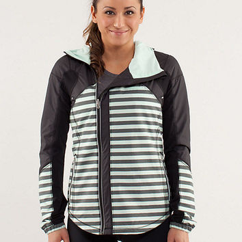 run: get up and glow jacket *reflective 360 | women's jackets and hoodies | lululemon athletica