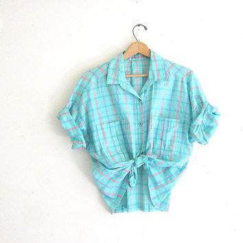 20% OFF SALE Vintage light green plaid shirt. cropped button up shirt. Women's tie up shirt / size m-l