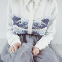 Fine Art Collection two-piece-like white long shirt Hokusai's The Great Wave of Kanagawa painting for cold season