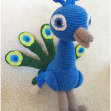 Peacock crochet pattern amigurumi crochet tutorial pdf file Peacock in Dutch, German and English US-terms