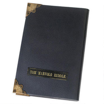 Harry Potter and the Deathly Hallows: Tom Riddle's Diary Prop Replica | WBshop.com | Warner Bros.