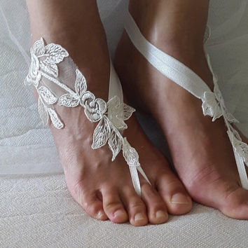 bridal accessories,ivory lace,   wedding sandals,  shoes,   free shipping!   Anklet,   bridal sandals,  bridesmaids,  wedding  gifts.......