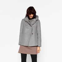 SHORT COAT WITH WRAPAROUND COLLAR DETAILS