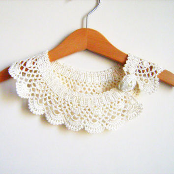 Collar Necklace, Handmade crochet Peter Pan Collar Necklace, Ivory / cream lace collar ready to shipping, for her.