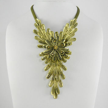 Statement Necklace Boho Anthropologie - Inspired Golden Indian FeAtHeRs with Cluster Snake Chain