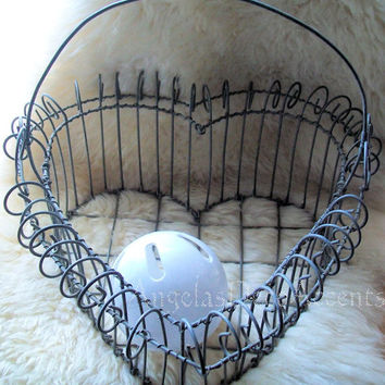 Vintage Wire Basket, Large Heart, Metal Footed, Scroll Heart Handle, Loop Rim, Shabby, Cottage Chic, Farmhouse Decor, Egg Basket, Fine Look