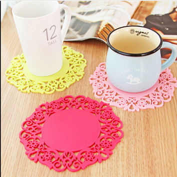 2PCS/Lot Colorful Lace Flower Hollow Design Round Silicone Table Heat Resistant Mat Cup Coffee Coaster Cushion Placemat Pad