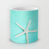starfish-2 Mug by Sylvia Cook Photography