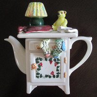 English Kitsch Ceramic Teapot Vintage Swineside Collectible
