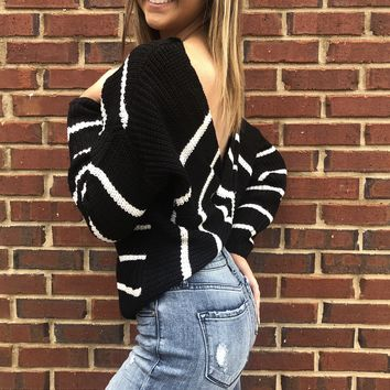 Snuggle Up Sweater - Black & White