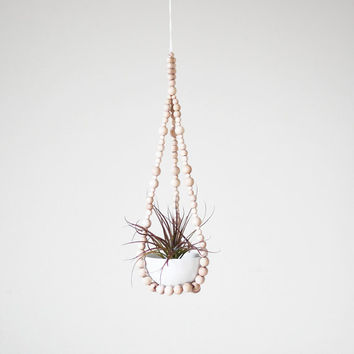 Small Beaded Hanging Planter with Cup / Modern Plant by HRUSKAA