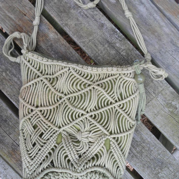 Light Green Macrame 60's 70's Vintage Purse Hippie Boho Bohemian Style Accessories