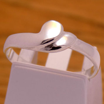 Gently Stylish Sterling Silver Cute Fancy Heart Ring 925 Hallmark Elegant Great Charming Cool Beautiful Handmade Handcrafted Size 7 US/ N1/2