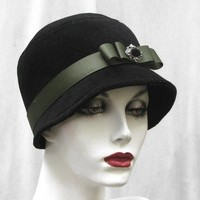 Cloche Hat a Tailored Vintage Style in Black | creationsbygail - Accessories on ArtFire
