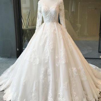 Beautiful New Model Lace Appliques Long Sleeve Wedding Dresses 2018