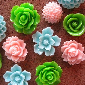 Thumbtacks, Aqua, Pink, Green Push Pins, 12 pcs Pushpins, Bulletin Board Tacks, Wedding Decor, Gifts, Housewarming Gift