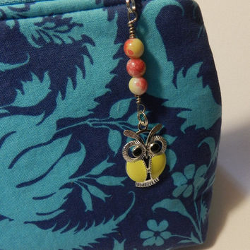 Yellow Silver Owl  Zipper pull Purse Pull Hoodie Pull Back Pack Pull  V4658