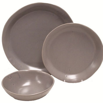 Slim Round Place Setting