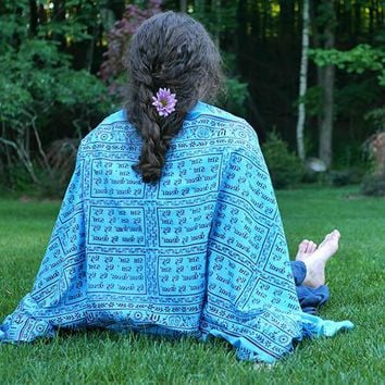 Meditation Yoga Prayer Shawl - Maha Mantra - Turquoise Large