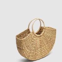 STRAW BAG WITH ROUNDED HANDLES DETAILS