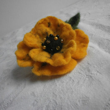 Felt brooch pin,black yellow felt wool flower brooch,felt flower poppy brooch,jewelry,hair clip,felt wool accessories, scarf, hat,bag,dress.