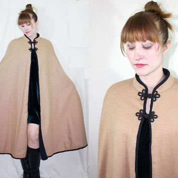 vintage 1960s RIDING CAPE black & tan English Wool equestrian cloak - c834