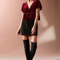 UO Goldie Velvet Cropped Tie-Front Top | Urban Outfitters